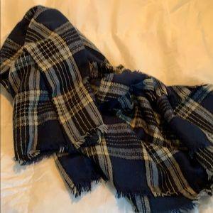 Bp checkered scarf